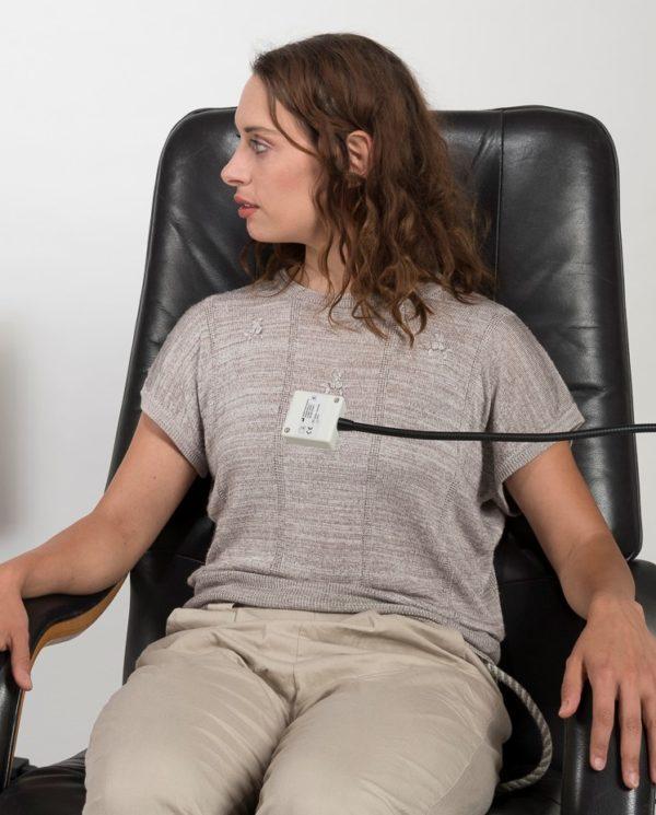 Patientin mit Atemsensor